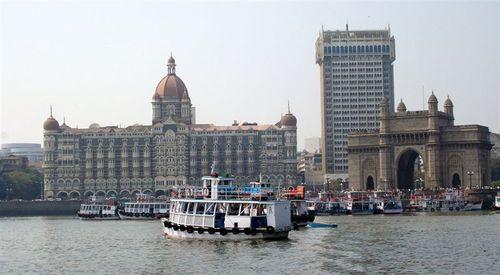 1_gate_to_india_entrada_em_mumbai